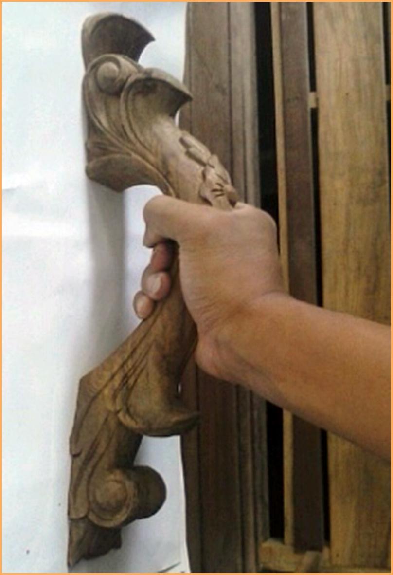 Bonus gagang pintu kayu