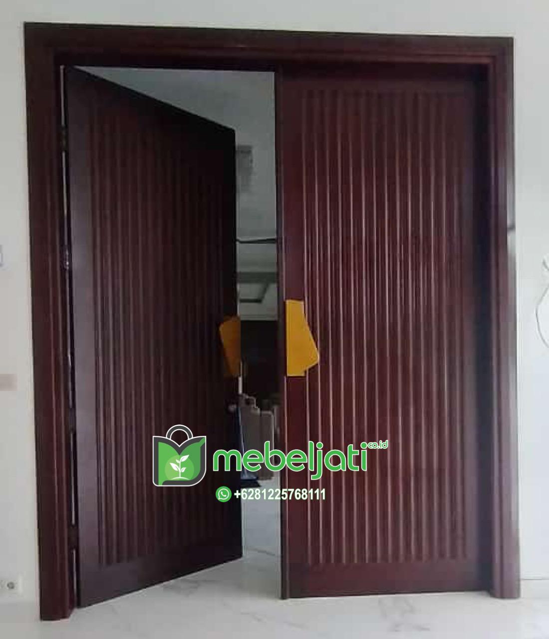Pintu Minimalis Salur Daun Double Kupu Kupu