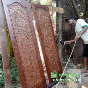 Pintu Kamar Tidur Model Ukir Jati Jepara
